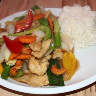Thai Isaan Kitchen, Gai Phad Med